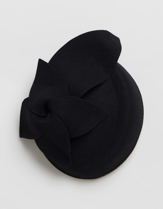 Max Alexander - Pillbox Winter Racing Fascinator