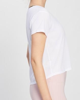 ASICS Race Crop SS Top - Short Sleeve T-Shirts (Brilliant White)