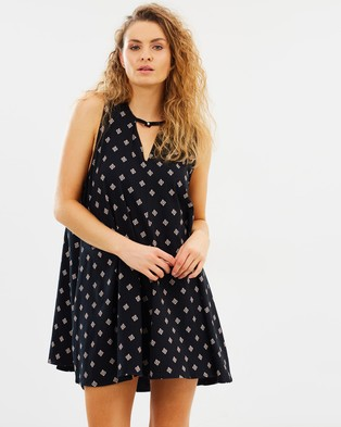 Hurley – Mason Dress