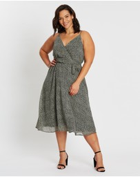 Atmos&Here Curvy - Lucy Cross-Front Midi Dress