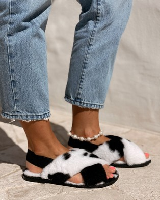 St Sana Zayn Slippers - Slippers & Accessories (Milk Cow)