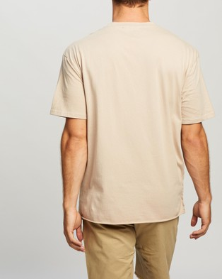 Commune Comm Tee - T-Shirts & Singlets (Washed Sand)
