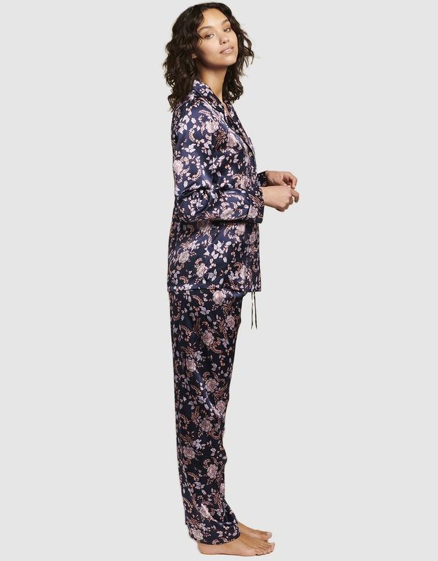 Women Fine Finish Silk Pyjamas