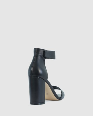 Kennedy - Stately Sandals (Black)