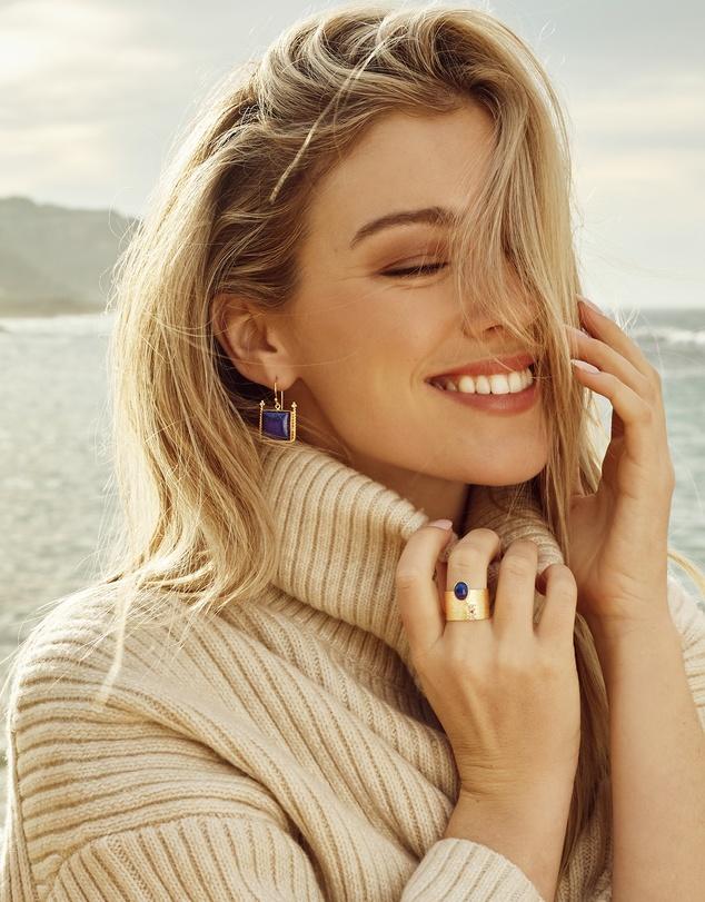 Women Magma Earrings