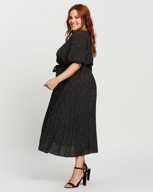 Atmos&Here Curvy Jodie Midi Dress - Printed Dresses (Black Print)