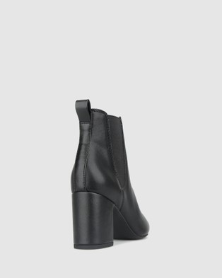 Betts Arctic Block Heel Ankle Boots - Boots (Black)