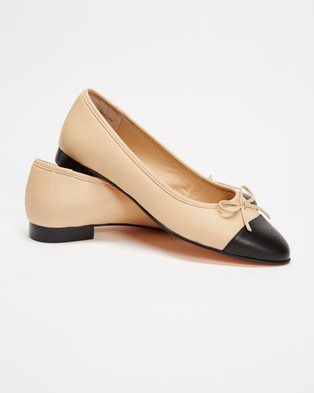 Atmos&Here Angelina Leather Ballet Flats - Ballet Flats (Beige & Black Leather)