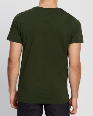 Picture Newart Tee - T-Shirts & Singlets (Pine Green)