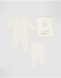 Cotton On Baby - LS Zip Romper  Ruffle Leggings & Everyday Bib Set - Babies