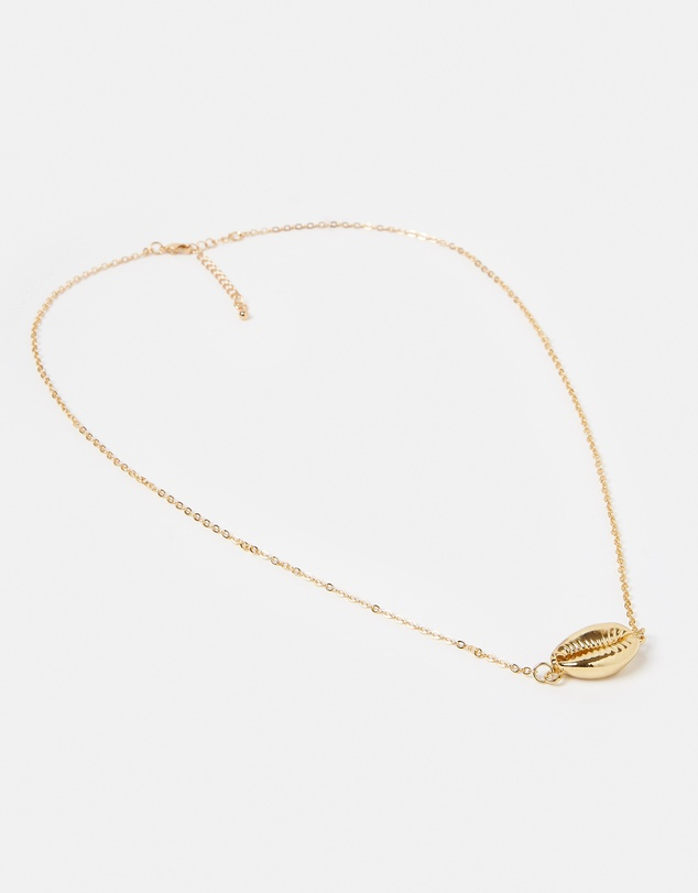 Women Arue Island Necklace