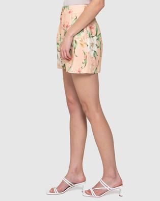 Forever New Imogen Belted Linen Blend Short - High-Waisted (Garnet Animal)