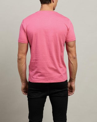 Polo Ralph Lauren - ICONIC EXCLUSIVE   Short Sleeve T Shirt - T-Shirts & Singlets (Blaze Knockout Pink) ICONIC EXCLUSIVE - Short Sleeve T-Shirt