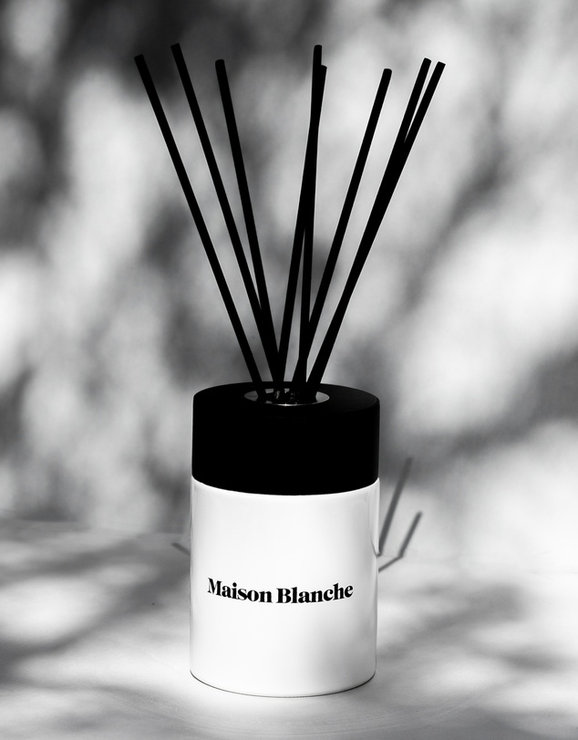 Life 002 Paperwhite & Clementine - Reed Diffuser