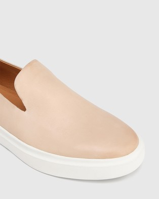 Wittner Sione Leather Round Toe Loafers Flats Nude