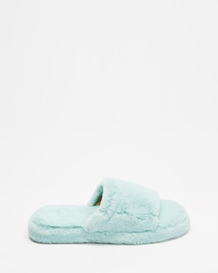 Dazie Jenner Slippers - Slippers & Accessories (Baby Blue Fluff)
