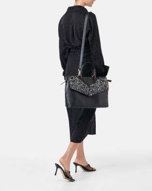 She Lion The Maven Tote - Backpacks (Black)