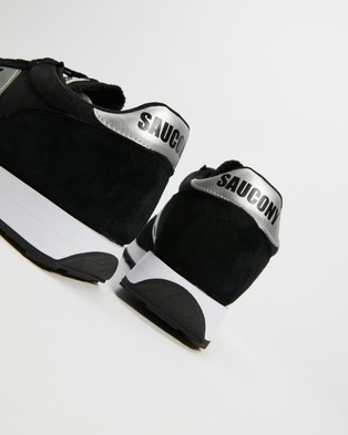 Saucony JAZZ 81   Unisex - Lifestyle Sneakers (Black & Silver)