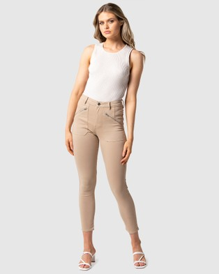 Forever New Leah Mid Rise Cargo Jeans - Jeans (Stone Sateen)