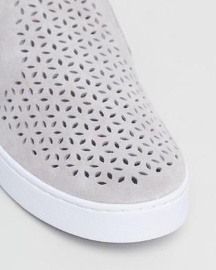 Vionic Kani Slip On Sneakers - Slip-On Sneakers (Light Grey)