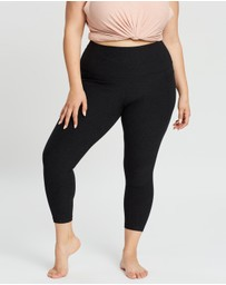 Beyond Yoga - Curvy Out Of Pocket High-Waisted Midi Leggings