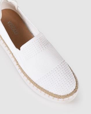 Verali Queen - Slip-On Sneakers (White)