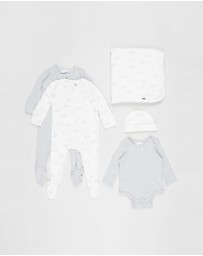 Cotton On Baby - Bundle Newborn Romper, Bubbysuit, Blanket & Beanie - Babies
