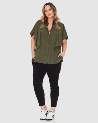 17 Sundays Flutter Sleeve Blouse - Tops (Olive)