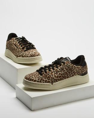 Reebok AD Court Animal Remix   Women's - Lifestyle Sneakers (Chalk, Core Black & Chalk)