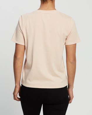 Huffer Honors Stella Tee - T-Shirts & Singlets (Gum Pink)