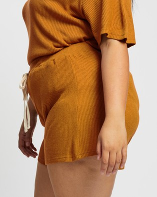 Atmos&Here Curvy Willow Relaxed Shorts Mocha