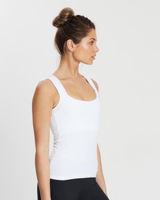AVE Activewoman - PET Dry Fit Tank Top Muscle Tops (White)