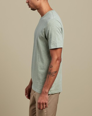 Theory Essential Tee T-Shirts & Singlets Green