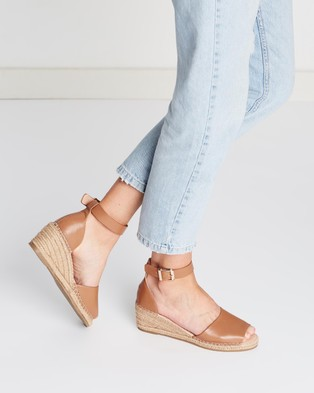 Human Premium Helene Leather Wedge Heels - Wedges (Tan Leather)