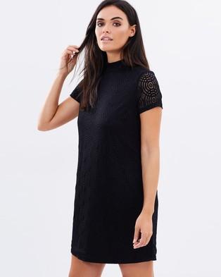 Atmos & Here – Kendra Lace Shift Dress – Dresses (Black)
