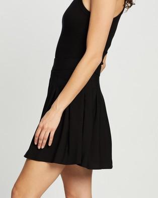 Dazie Draw The Line Pleated Mini Skirt - Pleated skirts (Black)