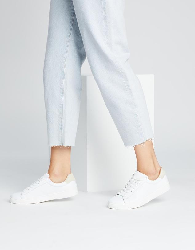 Women Leo Leather Sneakers