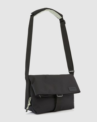 Crumpler - Shape of Character Messenger Bags (Black)