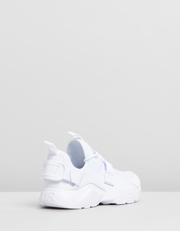 Nike - Air Huarache City Low Shoes - Women's