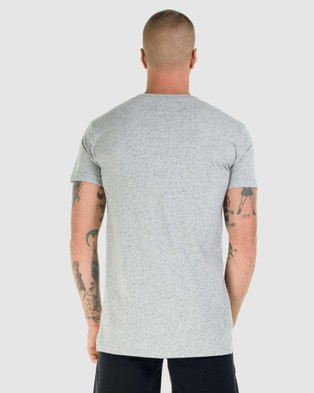 First Division Core Crest Tee - T-Shirts & Singlets (GREY)
