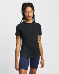 Under Armour - Meridian & Moisture Infuse Short Sleeve Tee