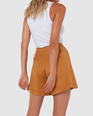 Madison The Label Charlotte Shorts - High-Waisted (Camel)