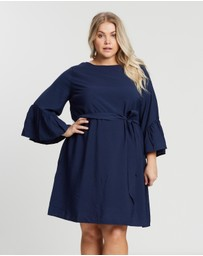 Atmos&Here Curvy - ICONIC EXCLUSIVE - Spencer Flare Sleeve Dress