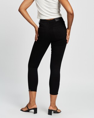 All About Eve Isabella Ankle Grazer Jeans Crop BLACK