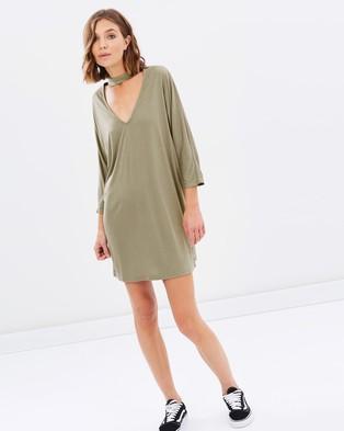 Atmos & Here – Cassie Collar Tee Dress – Dresses (Khaki)