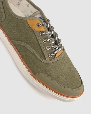 Betts Orlando Canvas Sneaker - Lifestyle Sneakers (Khaki)