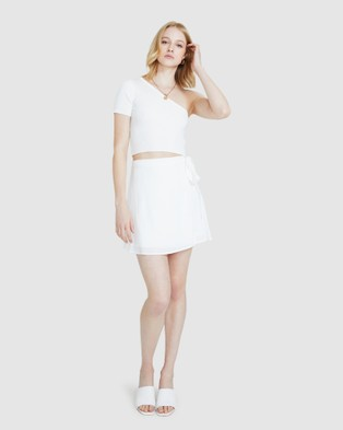 Alice In The Eve Beth Asymmetric Knit Top - Tops (WHITE)