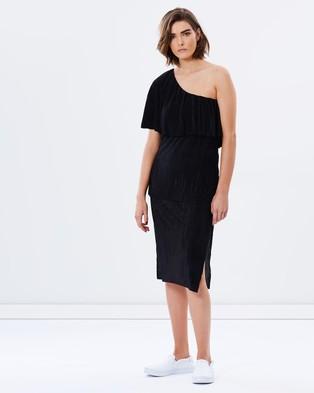 Staple the Label – Seychelles Pleated Dress – Dresses (Black)