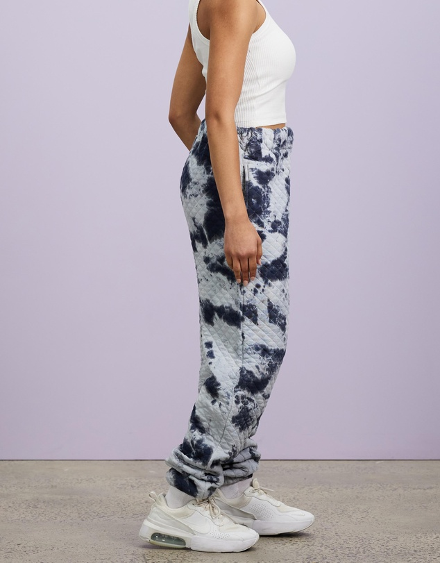 Women Tie Dye Quilted Joggers