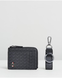 Tommy Hilfiger - Coated Canvas Zip CC Holder & Key Ring